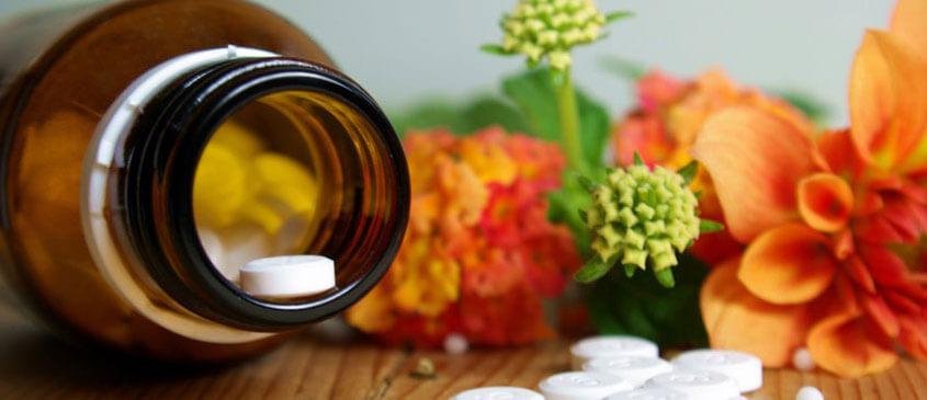 Medizinfläschen mit Tabletten