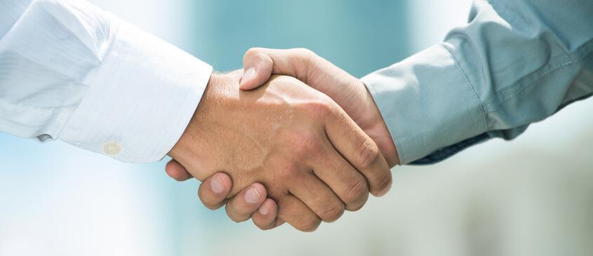 Handschlag zwischen Regierung und Heilpraktikern